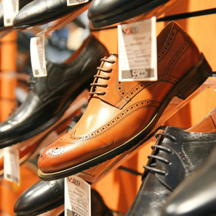 84a60ca5 Общий модельный ряд насчитывает более двухсот пар мужской обуви. Такой  широкий ассортимент позволяет каждому мужчине только найти свою идеальную  пару обуви, ...